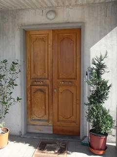 Verniciare Porte In Legno.Verniciatura Infissi In Legno Arezzo Verniciatura Finestre E